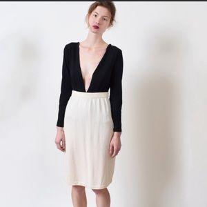 St.john knit skirt cream color size 12.